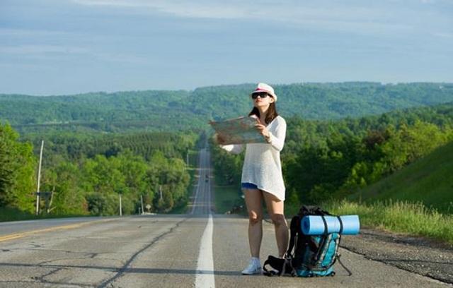 nên đi du lịch tự túc hay theo tour