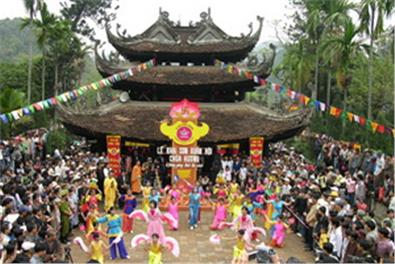 Du lịch Hà Nội giá rẻ: Chùa Hương - Hạ Long 3 ngày 2 đêm