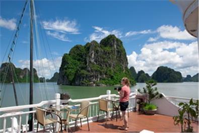 Du lịch Hà Nội giá rẻ: Hà Nội city tour - Hạ Long- Tuần Châu